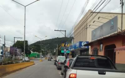 Motoristas fazem filas nos postos de combustíveis em Itaúna