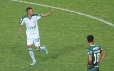De virada, América vence Palmeiras pela 1ª vez na Série A